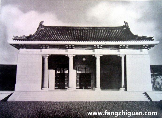 神门(内门):三开间单檐歇山顶门楼,高13.8米,建筑面积195平方米,为进入内廷的正门。