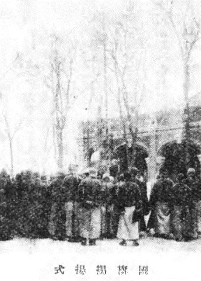 """1932年3月9日,溥仪在这里就任""""满洲国""""的""""执政""""。"""