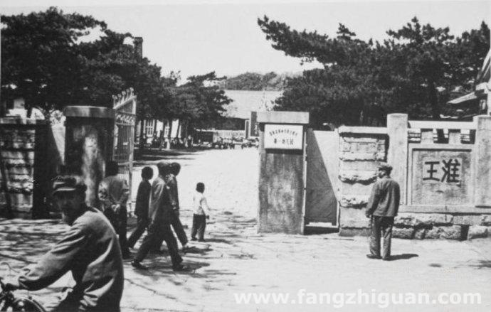 1978年,原新京神社正门鸟居处。