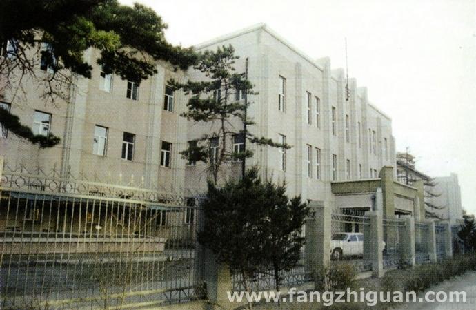 上世纪90年代,新京中学校旧址。