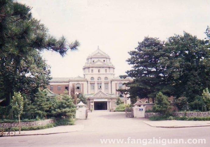 1995年,伪满洲国司法部旧址。
