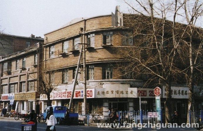 上世纪90年代时的新京输入组合百货店旧址
